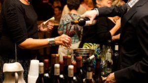Rượu Vang ăn Mừng2